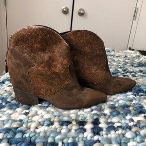 Lola Cruz brown short cowboy boots!